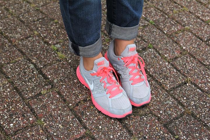 IMG_3976 Grey and Neon Pink Nike's