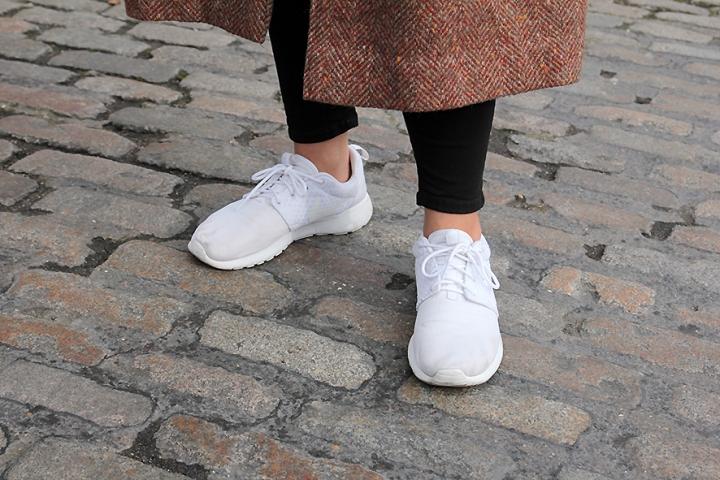 IMG_8640 White Nike Roshe s