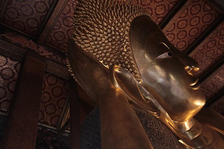 IMG_9807 Wat Pho reclining Buddha Bangkok s