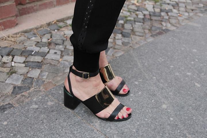 IMG_3035 Black sandals s