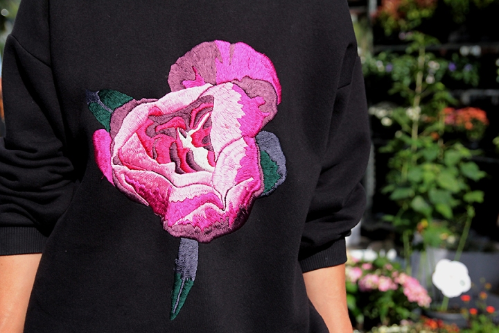 IMG_4317 Rose sweatshirt 2s