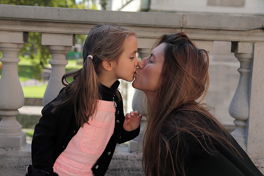 Mother and daughter make out