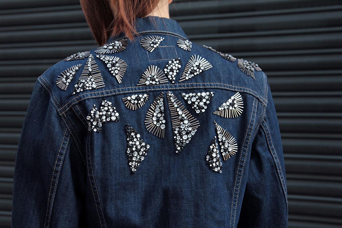 Как украсить джинсовую куртку своими руками фото